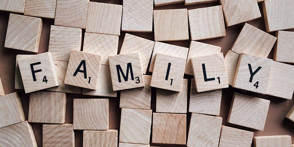 family-2355697_1920